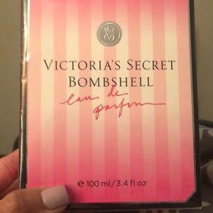 VS Bombshell